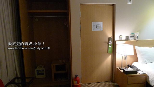 明洞住宿-新東方酒店房內大衣櫥